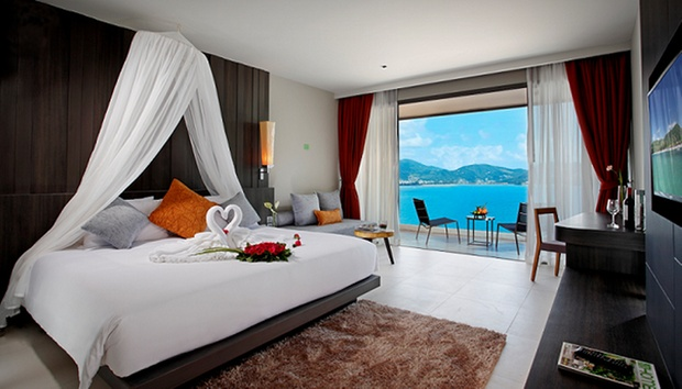 Phuket: 5* Seaview Stay in Patong 1