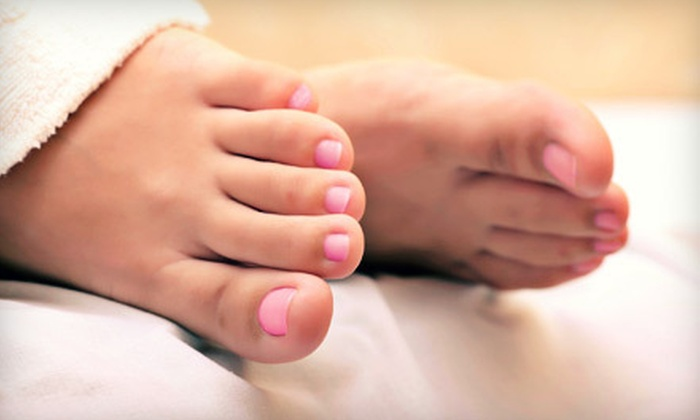 Advanced Foot and Ankle Clinics - Multiple Locations: Laser Toenail-Fungus Removal for One or Both Feet at Advanced Foot and Ankle Clinics (Up to 75% Off)