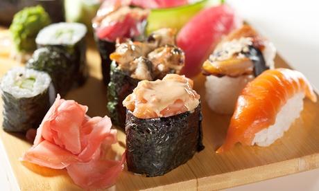 Menú Japonés para 2 o 4 personas con entrantes, woks y 20 o 40 piezas de sushi desde 19,95 € junto al Parc de Ses Fonts