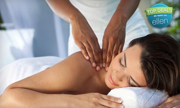 LaVida Massage - Farmington Hills: $30 for a One-Hour Deep-Tissue, Swedish, or Prenatal Massage at LaVida Massage in Farmington Hills (Up to $79.95 Value)