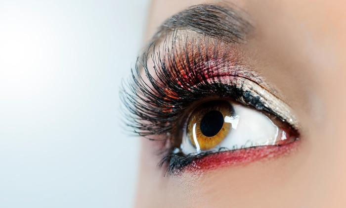 64 Off A Full Set Of Natural Eyelash Extensions