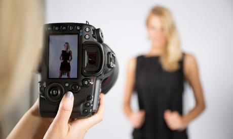 Sesión de fotos para 1 o 2 personas y CD con 100 fotos editadas de las cuáles 50 retocadas por 34,90 € en Exagrama