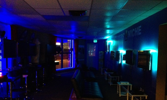 Gamers' Niche Gaming Lounge - Towson: Up to 50% Off Video gaming passes. at Gamers' Niche Gaming Lounge
