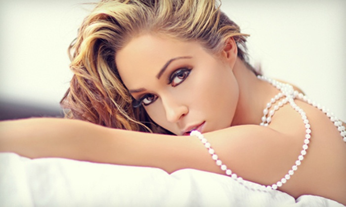 DR Photography - Oakland: $99 for One-Hour Boudoir-Photography Package with Makeup, Champagne, and Retouched Print at DR Photo Studio ($395 Value)