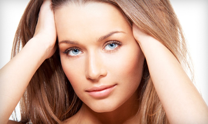 Bombshells Salon and Spa - Powell: $32 for a 60-Minute Facial at Bombshells Salon in Powell ($65 Value)