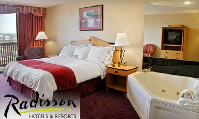 Corpus Christi Beach Hotels (Radisson, Holiday Inn, Comfort Suites, Hawthorn Suites, Quality Inn, Knights Inn) - Multiple Locations: $65 for One Night in a One-Room King Jacuzzi Suite at Radisson Hotel Corpus Christi Beach