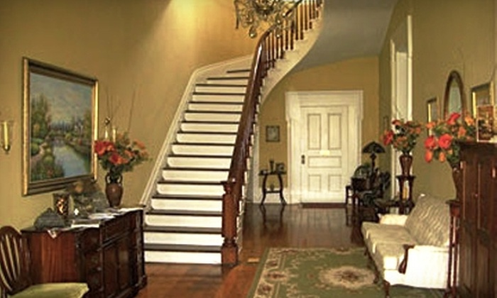 Maple Hill Manor - Springfield: $150 for Two Night Stay at Maple Hill Manor in Springfield (Up to $300 Value)