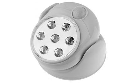 Uma lâmpada LED com sensor de movimento por 12,99€ ou duas por 18,99€