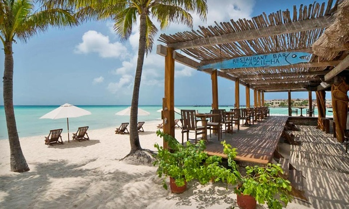 Hotel Na Balam - Isla Mujeres, Mexico: Three- or Four-Night Stay with Daily Breakfast at Hotel Na Balam on Isla Mujeres, Mexico