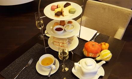 High Tea mit Heißgetränken und feinen Spezialitäten, optional plus Champagner, für Zwei in der Ô Place Bar