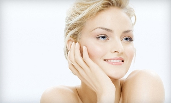 Parker Dentistry Facial Rejuvenation & Wellness - Hollywood Hills: $70 for HydraFacial and Skin Analysis at Parker Dentistry Facial Rejuvenation & Wellness in Hollywood ($204 Value)