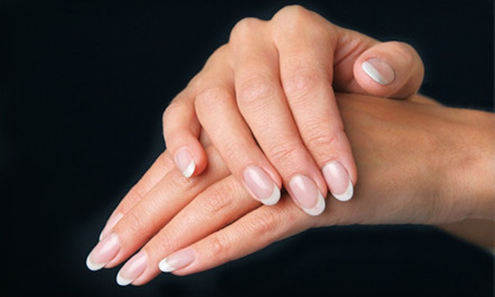 Studio 411 Salonspa - Minneapolis: $22 for a CND Shellac Manicure from Joanne at Studio 411 Salonspa ($45 Value)