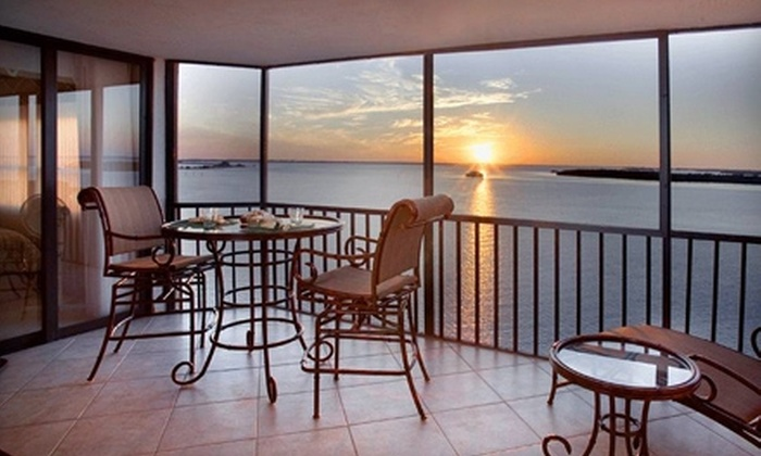 Resort Harbour Properties - Ft. Myers: $285 for a Three-Night Condo Stay from Resort Harbour Properties ($771.43 Value)