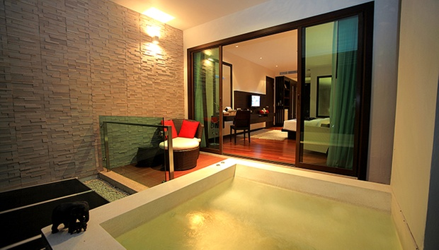 5* Hilltop Hotel in Patong 1