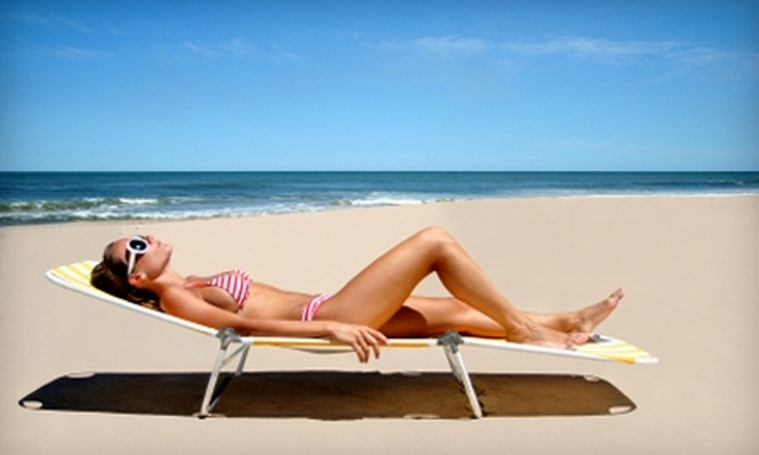 Sunseekers - Somerset Manor: $29 for Two Custom Spray Tans at Sunseekers in Prairie Village ($70 Value)