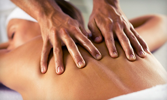 Spa Déjà Vu - North Vancouver: $39 for a Spa Package with a 60-Minute Massage and a 30-Minute Reflexology Session at Spa Déjà Vu ($110 Value)