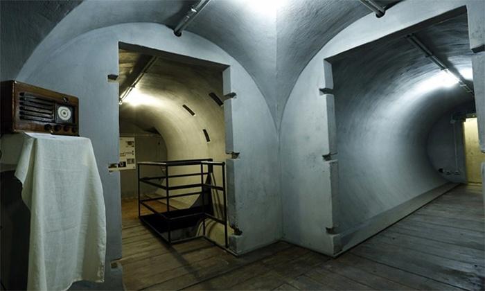 SOTTERRANEI DI ROMA: Visite guidate a scelta tra cui Villa Torlonia e nel bunker di Mussolini per 2 o per 3 persone (sconto fino a 71%)