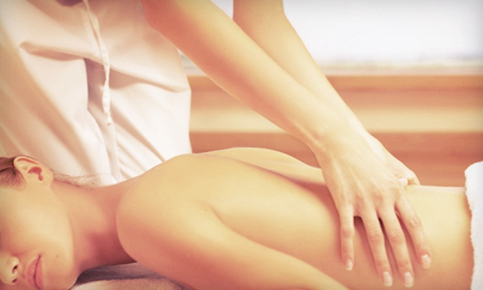 Straughn Chiropractic Center - Florissant: 60- or 90-Minute Swedish, Deep-Tissue, or Hot-Stone Massage at Straughn Chiropractic Center (Up to 60% Off)