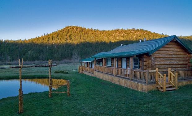 Greer lodge resort cabins groupon for Cabins near greer az