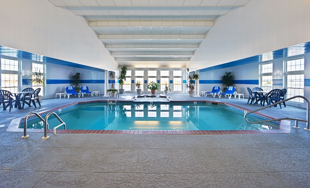 2.5-Star Chincoteague Island Hotel - Chincoteague Island, VA: Stay at 2.5-Star Chincoteague Island Hotel in Virginia, with Dates into March