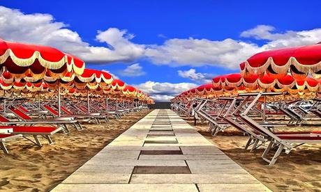 Vacanza Igea Marina: fino a 7 notti con trattamento a scelta e servizio spiaggia per 2 persone alla Villa dei Platani