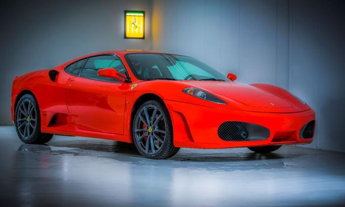 Celebrations Autoverhuur - Différents lieux: Zelf 20, 30 of 40 minuten rijden in een Ferrari 360 Modena via Celebrations Autoverhuur