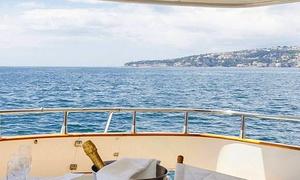 CharterJamm: Pernottamento in barca con aperitivo e in più colazione e cena sul Golfo di Napoli