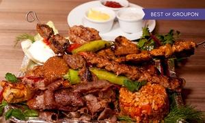 Zaza Restaurant: Kebab na talerzu (od 22,99 zł) lub półmisek rozmaitości (od 59,99 zł) i więcej opcji w Zaza Restaurant (do -30%)