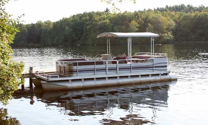 Lynn Creek Marina - Grand Prairie: Four-Hour Rental of a 12-Person Pontoon Boat or 8-Person Ski Boat from Lynn Creek Marina (Up to 61% Off)