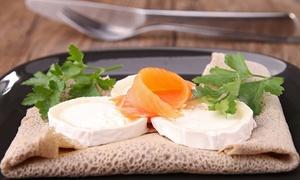 O Grand Café: Galettes de Sarrasin au choix avec salades, boissons, crêpes sucré et café pour 2 personnes à 21,90€ chez O Grand Café
