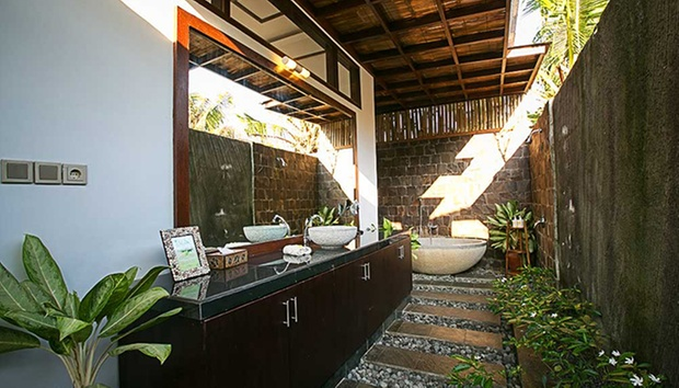 Bali: 4* Balinese-themed Villas 4