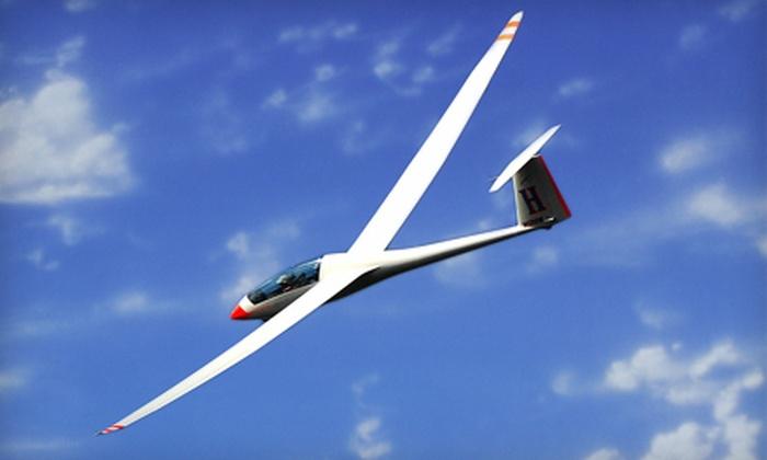 Sosa Gliding Club - Hamilton: $70 for One Introductory Glider Flight from Sosa Gliding Club in Hamilton ($140 Value)