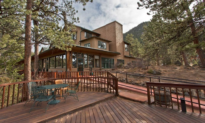 The Historic Crags Lodge - Estes Park, CO: Stay with Dining Credit at The Historic Crags Lodge in Estes Park, CO. Dates into April Available.