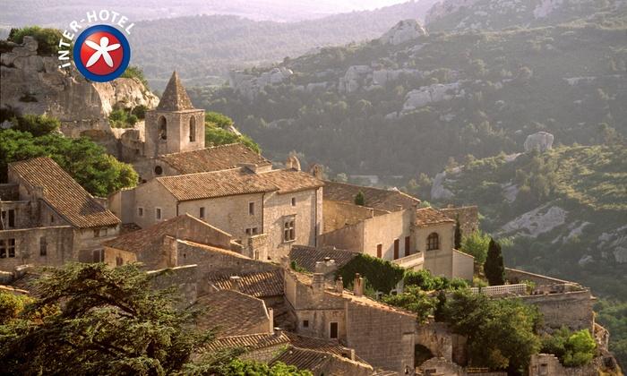 INTER-HOTEL d'Angleterre - INTER-HOTEL d'Angleterre**: Salon de Provence : 1 à 3, 5 ou 7 nuits avec petit déjeuner à l'INTER-HOTEL d'Angleterre dès 64 € pour 2 ou 4 personnes