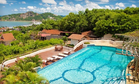 4-Star Hilltop Resort Overlooking Pacific Ocean
