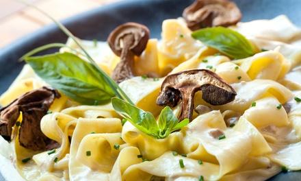 Menu di carne con antipasto e vino per 2 o 4 persone al Ristorante Il Coccetto (sconto fino a 61%)