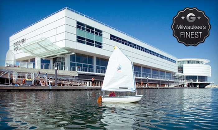 Discovery World - Milwaukee: $59 for a One-Year Deluxe Family Membership to Discovery World ($125 Value)