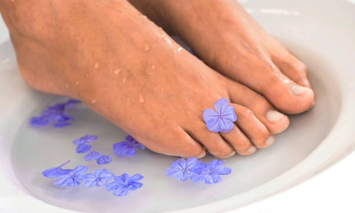 Thread & Sugar - Hoover: $15 for a 30-Minute Clay Detoxifying Foot Bath at Thread & Sugar ($30 Value)