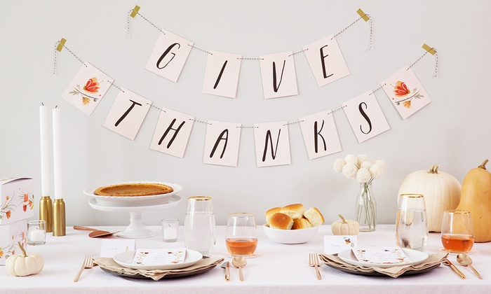 Makr: Classic Thanksgiving Basic or Deluxe Decorating Kit or Kids' Table Decorating Kit from Makr (Up to 41% Off)
