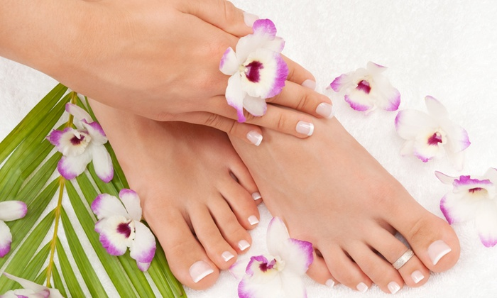 Beauty & Love - BEAUTY & LOVE: 3 manicure e 3 pedicure estetici o curativi da 29,90 €