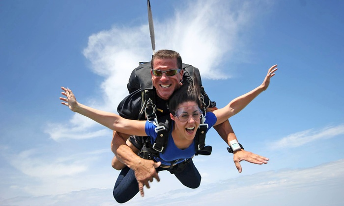 Great Lakes Skydiving - Beloit: $149 for a Tandem Skydive Jump from Great Lakes Skydiving ($229 Value)