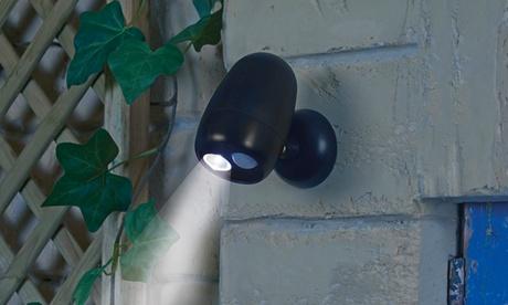 Fino a 4 luci LED Wireless da esterno con sensore di movimento