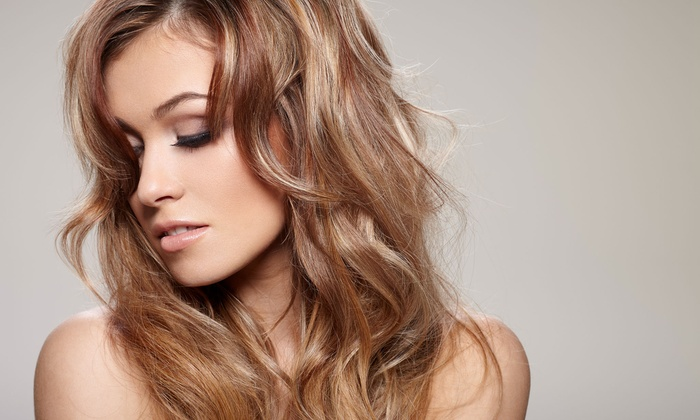 Moxie Lux Salon - Moxie Blow Dry and Beauty Bar: One, Three, or Five Washes and Blowouts at Moxie Lux Salon (Up to 72% Off)