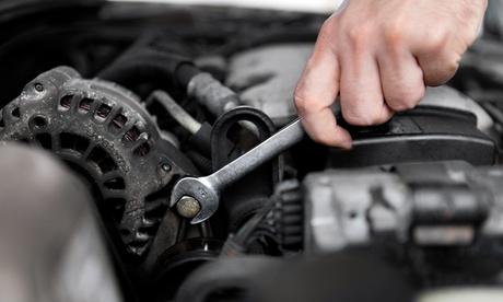 Cambio kit de distribución de coche con opción a revisión, cambio de aceite y filtro desde 269 € en Talleres Mecatec Oferta en Groupon
