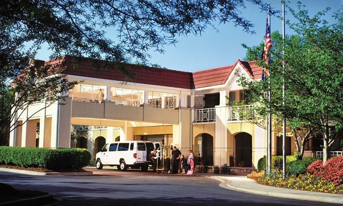 Emory Conference Center Hotel - Druid Hills: Emory InnOne- or Two-Night Stay at Emory Inn in Atlanta