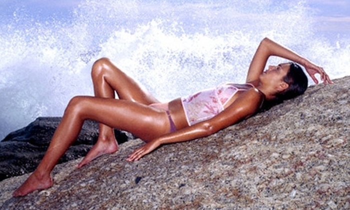 Sun Kissed Glo - Great Uptown: $25 for In-Home Spray Tan from Sun Kissed Glo ($50 Value)