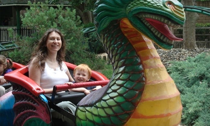 Funderland Amusement Park - Sacramento: $35 for One Weekday of Unlimited Rides and Snow Cones for Four at Funderland Amusement Park ($73.80 Value)