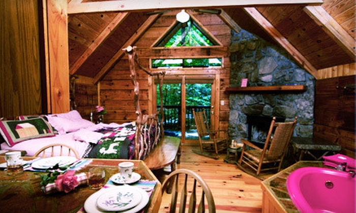 Creekwalk Inn - Cosby, TN: Two-, Three-, or Four-Night Honeymoon Deluxe Cabin Package at Creekwalk Inn and Cabins in Cosby (Up to 54% Off)