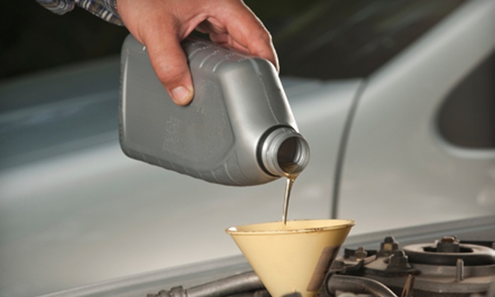 Steve Ellis Automotive Services - Charleston: $15 for a Standard Oil Change at Steve Ellis Automotive Services ($30 Value)