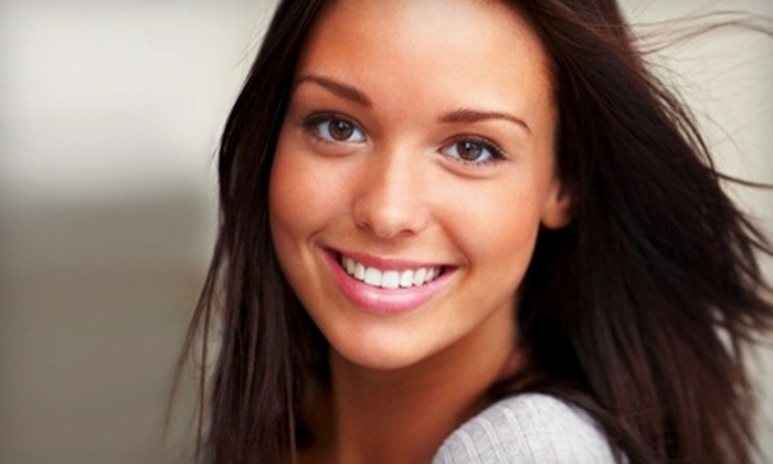 Advanced Dental Care - Chicago: $59 for an Exam, X-rays, and Cleaning ($291 Value) or $179 for Teeth Whitening ($399 Value) at Advanced Dental Care